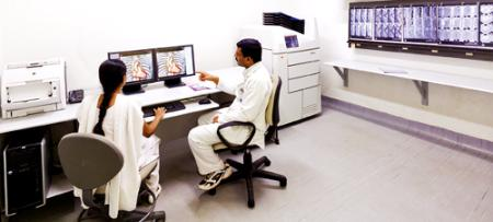 A Radiologist Workstation for processing images in 3D at MIOT Hospitals in Chennai, Tamil Nadu, USA, affiliated to International University School of Medicine, which also has a Branch Capus, namely, IUSOM - Michigan Clinical Campus in Dearborn, Michigan, USA
